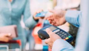 Platební terminály s minimálními poplatky z velké elektronické aukce.